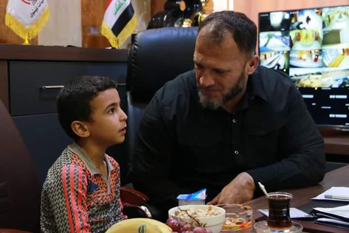 بالصور ..  العثور على طفل من ضحايا داعش في نينوى