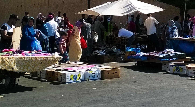 أمانة بغداد تتخذ إجراءات لاحتواء الباعة المتجولين