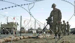"""القوات الامريكية تحيط قواعدها العسكرية في العراق بـ""""أرض حرام"""""""