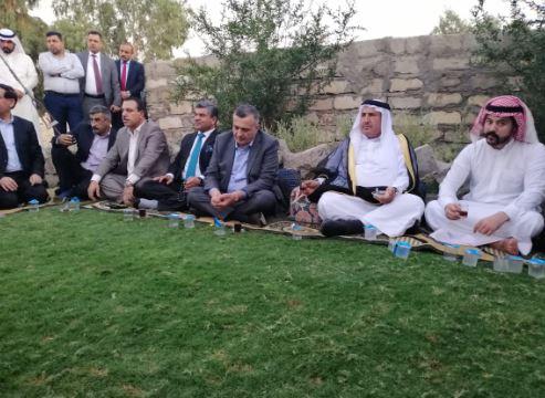 بالصور ..  رئيس حزب الحل يلتقي وجهاء قرية عوينات ويبحث معهم اوضاع نينوى