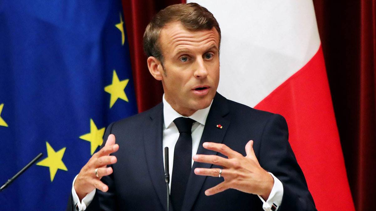 """ماكرون يحذر من """"الانعزالية الإسلامية"""" في فرنسا"""