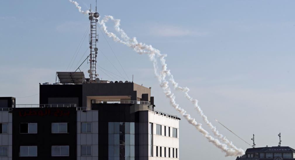 سقوط صاروخ من غزة قرب السياج الحدودي جنوب إسرائيل