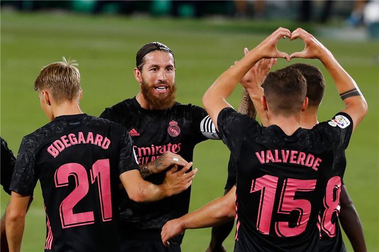 ريال مدريد يحقق فوزاً مثيراً على بيتيس في الليجا