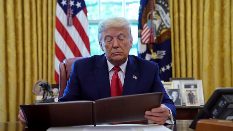 ترامب يخطط لإصدار أمر تنفيذي حول العقوبات على موردي الأسلحة لإيران
