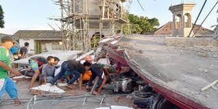 زلزال جزيرة لومبوك الإندونيسية يتسبب بتشريد سبعين ألف شخص