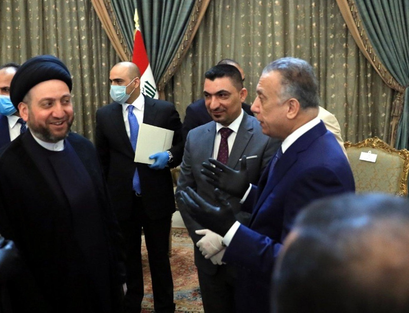 لدعم الكاظمي ..  الحكيم يعلن اليوم تحالفاً برلمانياً جديداً