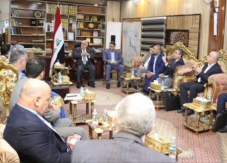 Prime Minister holds a detailed meeting with the governor of Basra and officials Image