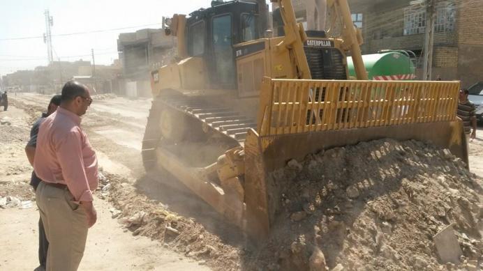 إطلاق حملة لاكساء الشوارع الفرعية جنوب البصرة بمادة السبيس