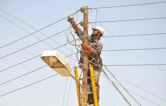 المنصوري:  إحالة مشروع الجباية الخاص بالطاقة الكهربائية إلى أربعة لجان للدراسة