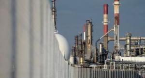 الكهرباء تؤكد استمرار استيراد الغاز من ايران بالعملة المحلية