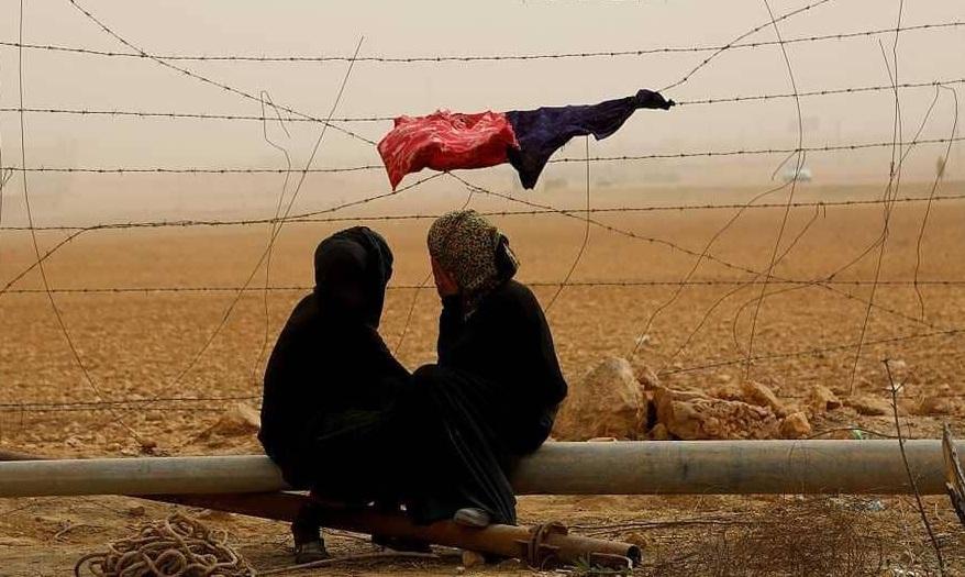 صحيفة كشفت الفضيحة: صور عارية ثمن المعونات في سوريا