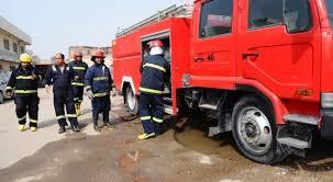 فرق الدفاع المدني تكافح حريقا اندلع في شارع السعدون
