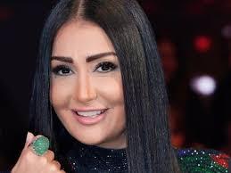 (بالصورة) شاهدوا ماذا فعل طبيب الأسنان ليلتقط صورة مع غادة عبد الرازق ؟؟؟!!