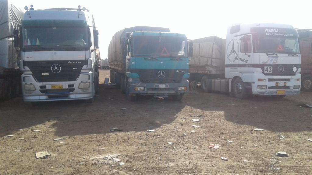 إعادة إصدار ٧ شاحنات طابوق بناء مخالفة في منفذ الشيب الحدودي