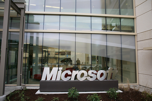 Microsoft is trying to contract with the central bank for the introduction of technology