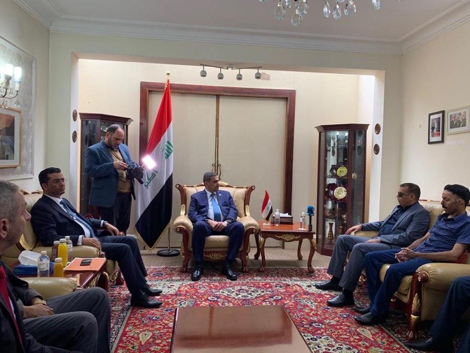 العراق وبريطانيا يوقعان مذكرة تفاهم للتعاون الامني والعسكري