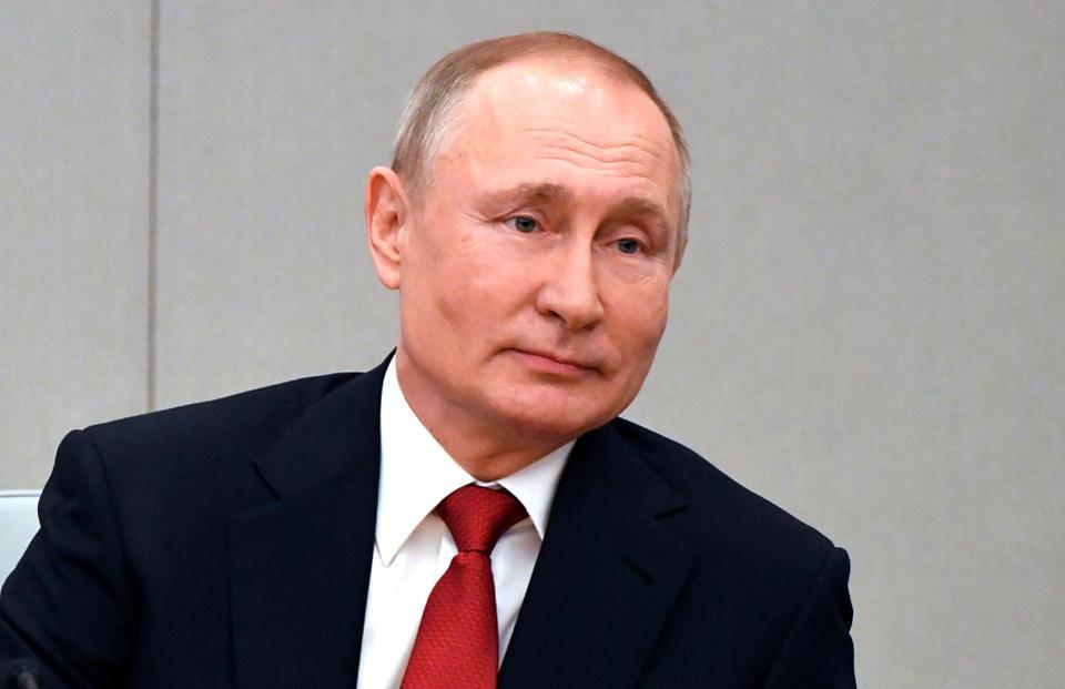بوتين: لا أستبعد الترشح للرئاسة مجددا