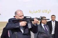 شاهد صورته وهو يرمي ببندقية أمريكية.. أسامة النجيفي يتعهد بتحرير الموصل ويعلن تطوعه للقتال