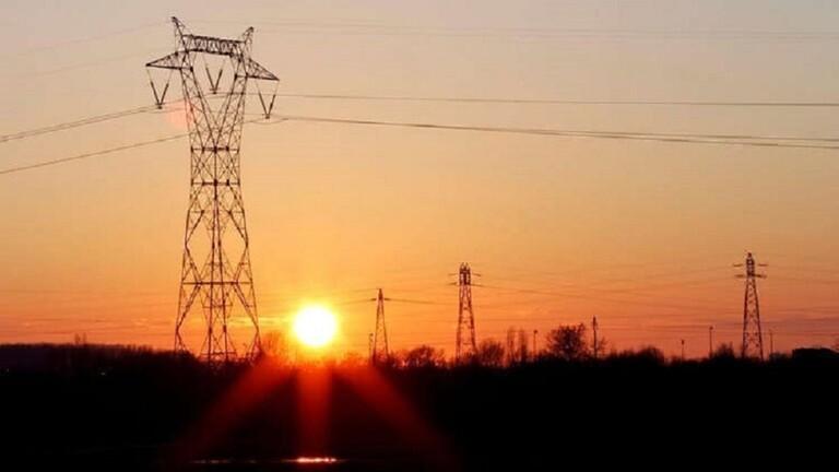 واشنطن تمدد استثناء العراق من عقوبات استيراد الكهرباء الإيرانية