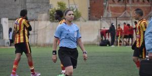 سيدة تدخل تاريخ كرة القدم العربية
