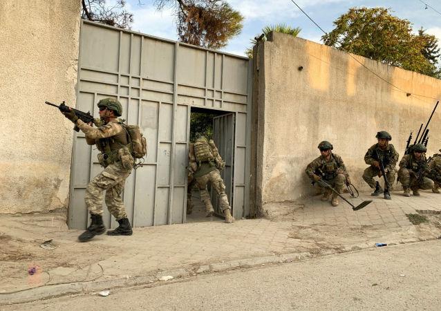 """""""سانا"""": الجيش التركي وحلفاؤه يحتلون مدينة رأس العين بعد انسحاب """"قسد"""""""