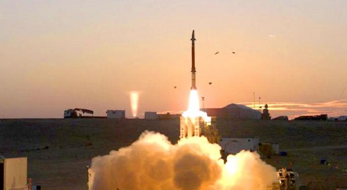 إيران تعلن إجراء تجربة ناجحة على صاروخ يبلغ مداه 350كم