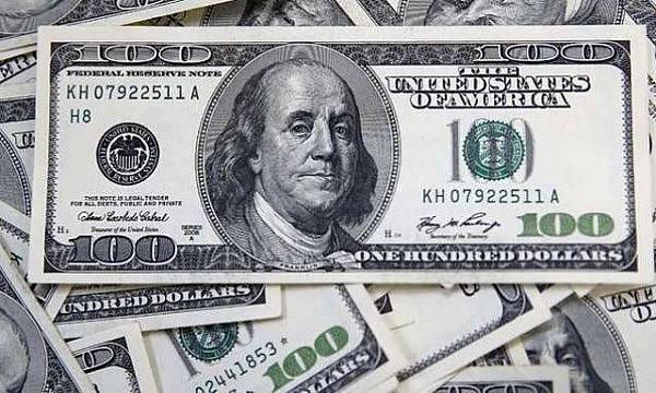 الدولار يواصل الارتفاع في السوق العراقية