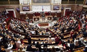 البرلمان الفرنسى يقر مشروع قانون يشدد قواعد اللجوء