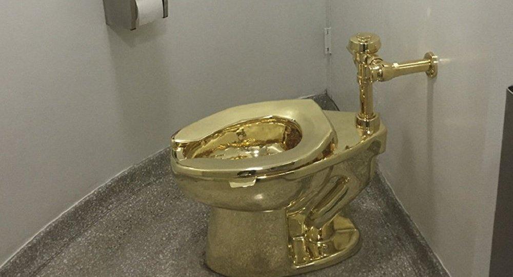 """سرقة """"المرحاض الذهبي"""" من قصر بلينهايم"""