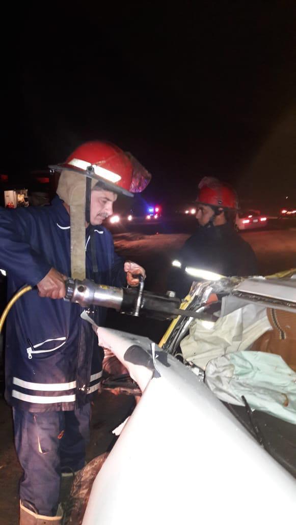 مصرع ٤ اشخاص بينهم امرأة وطفلة واصابة ثلاثة بحادث على الطريق الدولي السريع