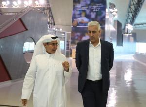 بالصور ..  وزير الشباب والرياضة يزور اكاديمية اسباير في قطر
