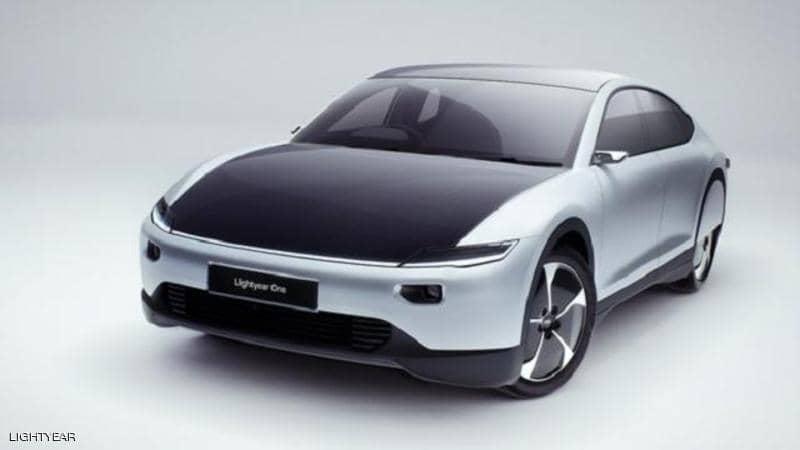 """شركة تكشف عن سيارة شمسية """"خارقة"""" بسعر """"فلكي"""""""