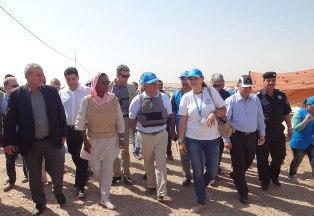 المفوض السامي للأمم المتحدة لشؤون اللاجئين يزور مخيم دوميز للاجئين السوريين في دهوك