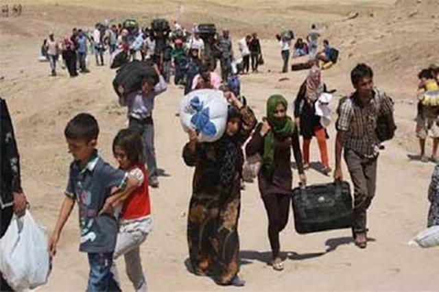 بعد ثلاث أعوام .... آلاف الأسر النازحة تعود الى مناطق سكناها المحررة غربي مدينة الرمادي