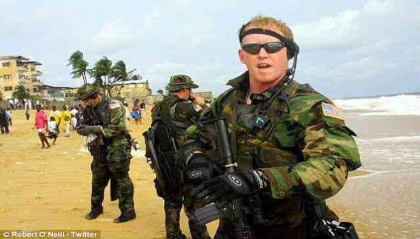 """شاهد صورته ..  صحيفة بريطانية تسبق قناة """"فوكس نيوز"""" وتنشر صورة قاتل أسامة بن لادن"""