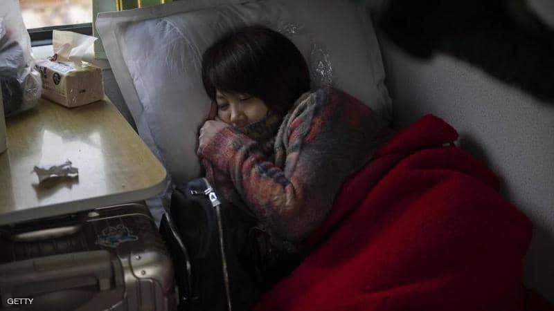 """دراسة تكشف ما يفعله """"النوم الزائد"""" بالجسم"""