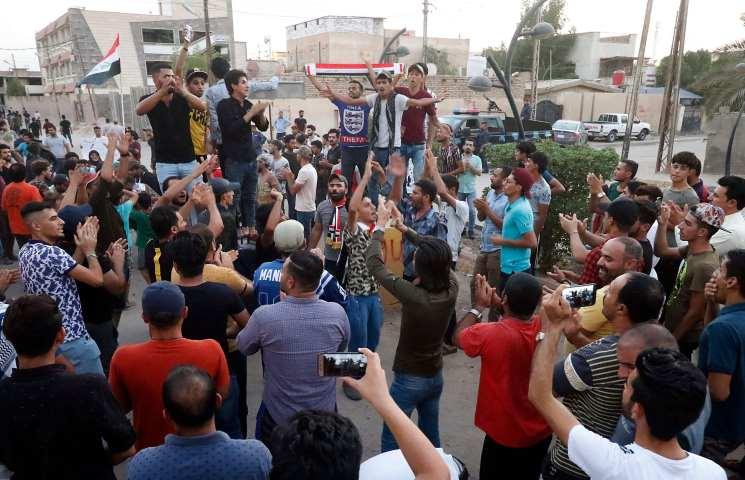 اعتصام مفتوح بالبصرة احتجاجاً على مقتل متظاهر واعتقال آخرين