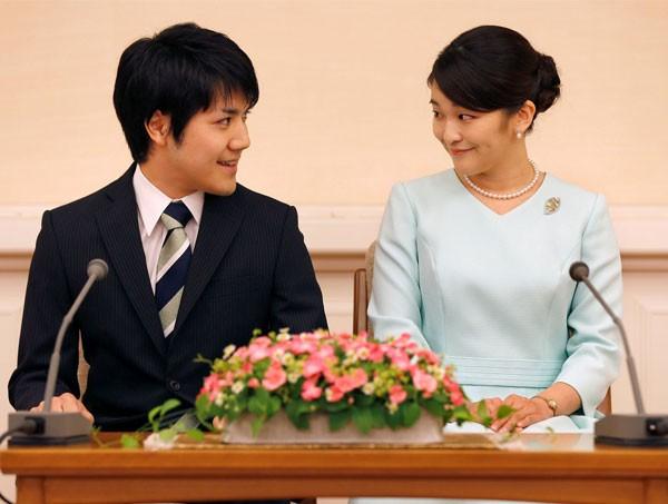 بسبب الديون... أميرة يابانية تأجل زفافها ؟؟؟