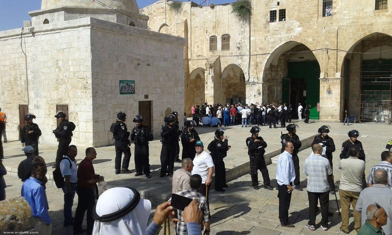 وسط حراسة مشددة مستوطنون يقتحمون المسجد الأقصى