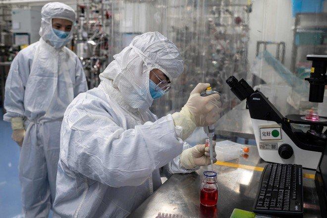 طبيب إيطالي: فيروس كورونا المستجد يفقد قوته