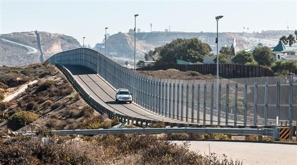 قاض أمريكي يوقف خطة ترامب لبناء جدار حدودي