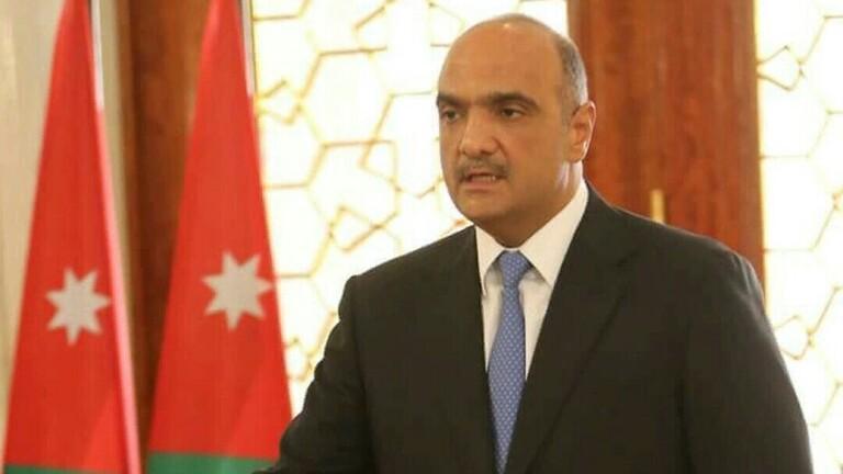 ملك الأردن يكلف بشر هاني الخصاونة بتشكيل حكومة جديدة