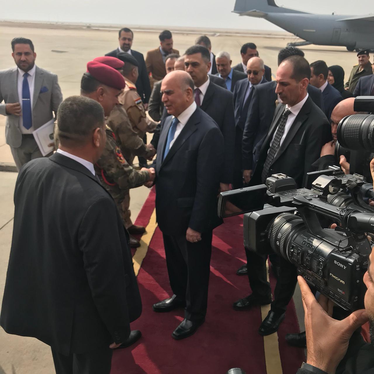 برفقة وفد حكومي رفيع المستوى.. وزير المالية يصل الى البصرة