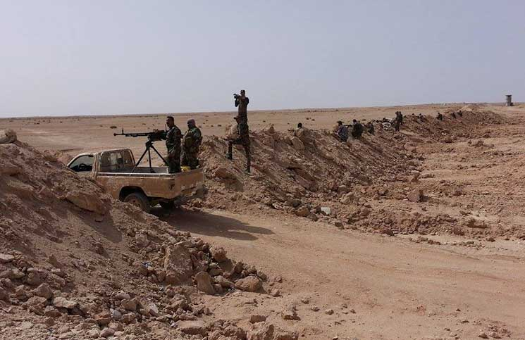 """مجلس الانبار يكشف عن مفاوضات """"سرية بين داعش وقسد"""" من أجل الانتقال إلى العراق"""
