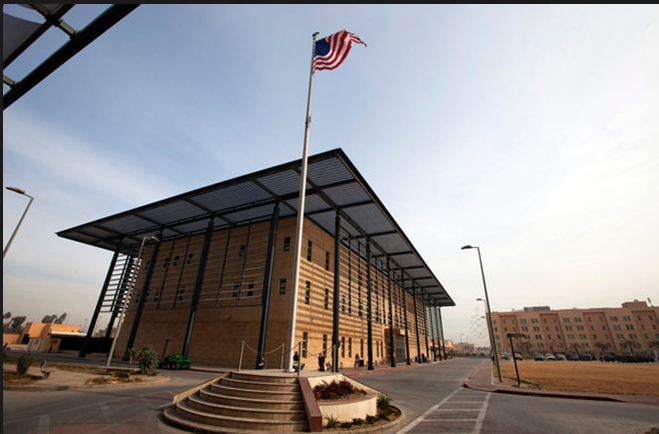 كاتب وصحفي: خيارات الحكومة محدودة لمنع قصف السفارة الامريكية مجدداً
