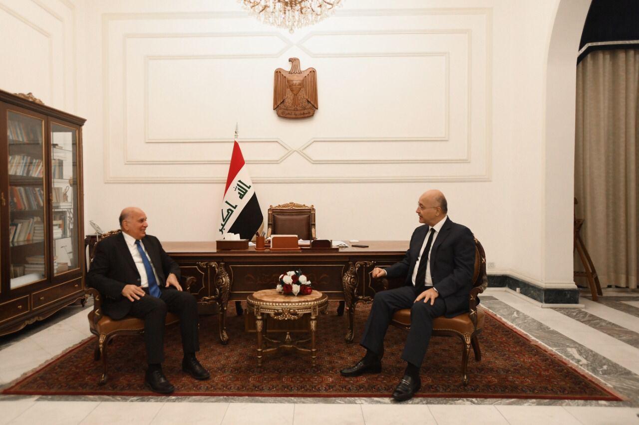 صالح وحسين يؤكدان ضرورة حماية البعثات الدبلوماسية
