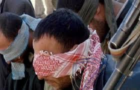 القبض على 15 مطلوبا للقضاء بينهم ارهابي بتهم تهريب مشتقات نفطية وجرائم جنائية