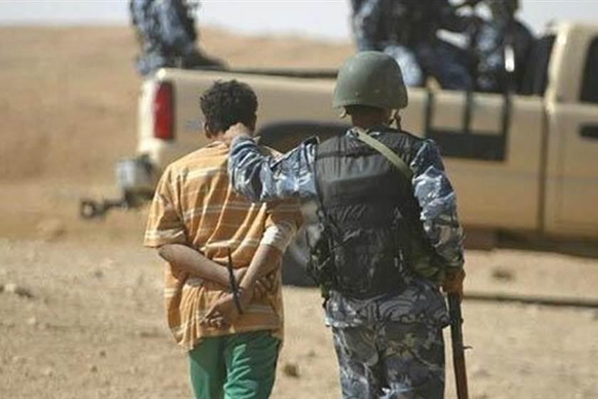 الاستخبارات العسكرية تلقي القبض على احد قناصي داعش في الكرمه