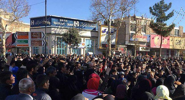 هل بدء ربيع ايران ؟