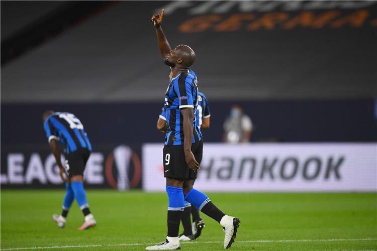 انتر ميلان يقهر خيتافي ويتأهل لربع نهائي الدوري الاوروبي